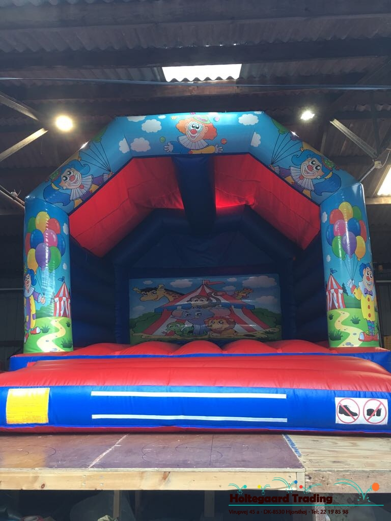 Lavprisafdelingen hoppeborg med Cirkus tema