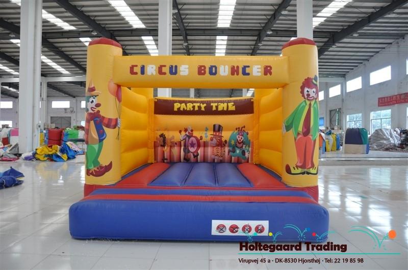 Lavprisafdelingen hoppeborg med Cirkus tema 4×5 og 5×6